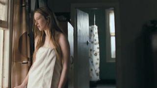 Nude sophie lowe Sophie Lowe