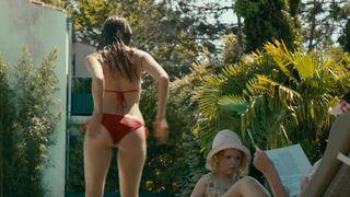 nackt Stroh Valerie Nude video